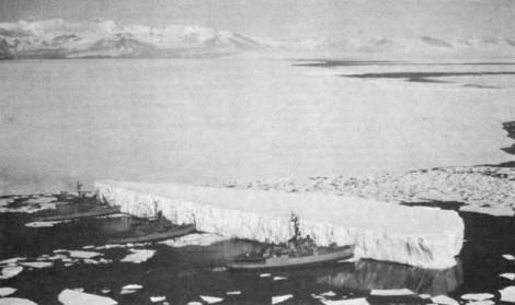 Kuva 1. Eteläisen jäämeren jäävuori. Lähde: Wikipedia/ U.S. Navy.